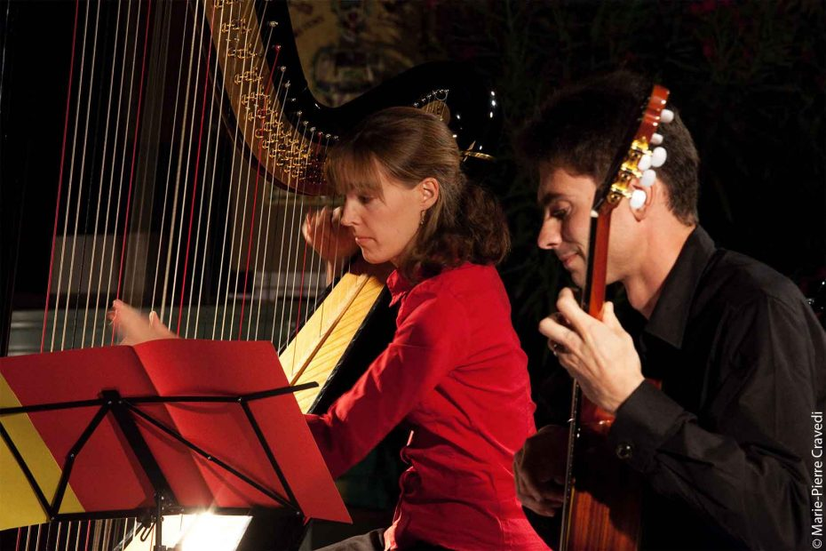 Duo Iridescence : Mathilde Sandoz, harpe – Gilles Sandoz, guitare